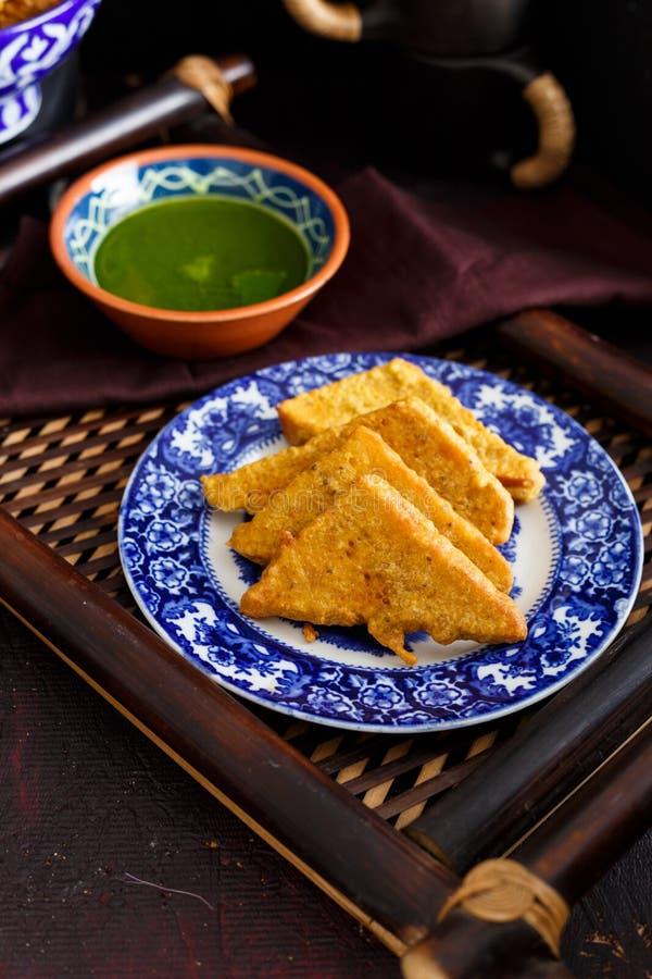 面包Pakora用香菜菠菜酸辣调味品 图库摄影