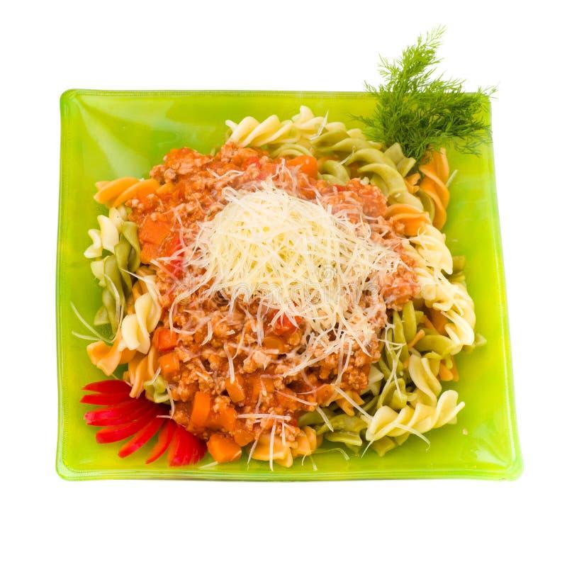 面团用肉、西红柿酱和菜 免版税库存图片