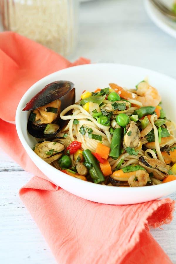 面条用虾和淡菜 图库摄影