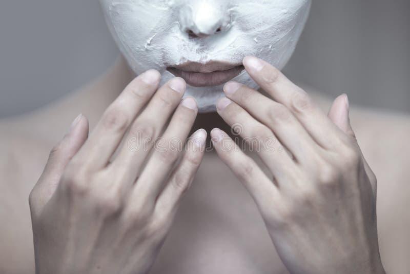 Download 面部面具 库存照片. 图片 包括有 胡子, 纵容, 精美, 化妆用品, 整容术, 表面, 润肤霜, 纯度 - 30334202