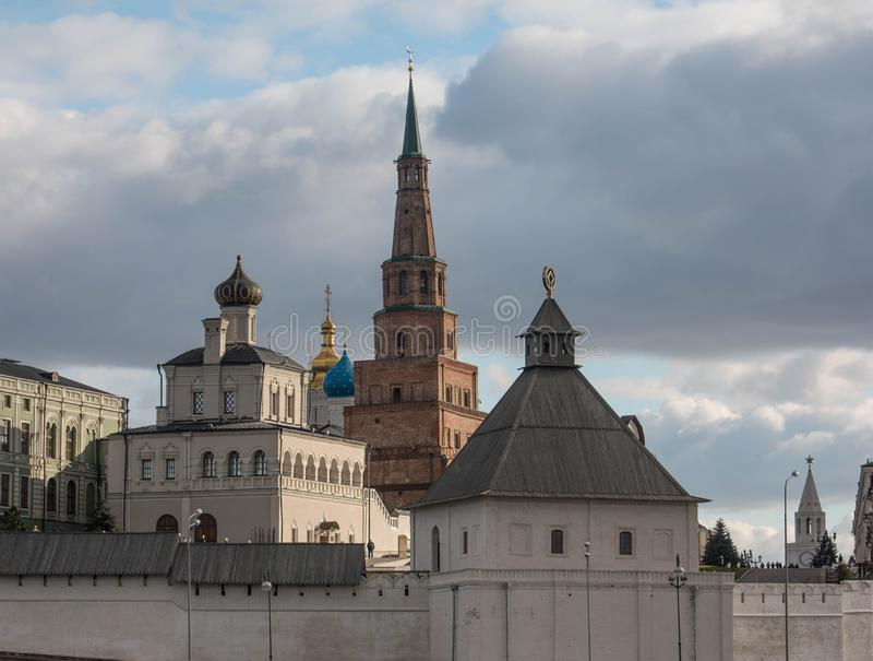 鞑靼斯坦共和国俄罗斯,喀山市, Sujumbike塔,克里姆林宫 秋天2016年 免版税库存图片