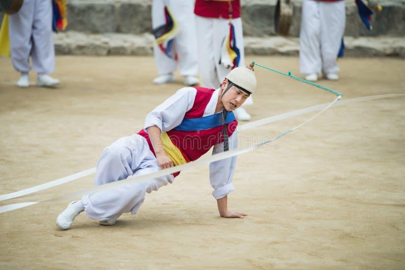韩国民间舞蹈和音乐家 库存照片
