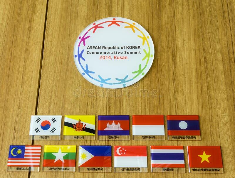 韩国纪念山顶东南亚国家联盟共和国的标志2014年 库存图片
