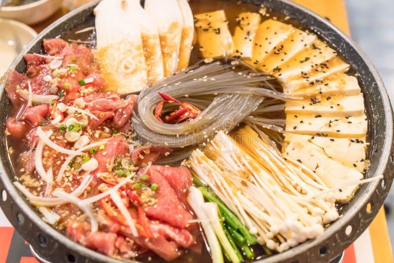 韩国食物热的罐(Budaejjigae) 库存图片
