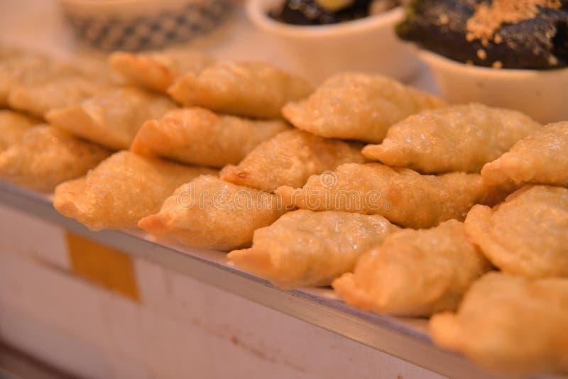 韩式被油炸的猪肉饺子 免版税库存图片