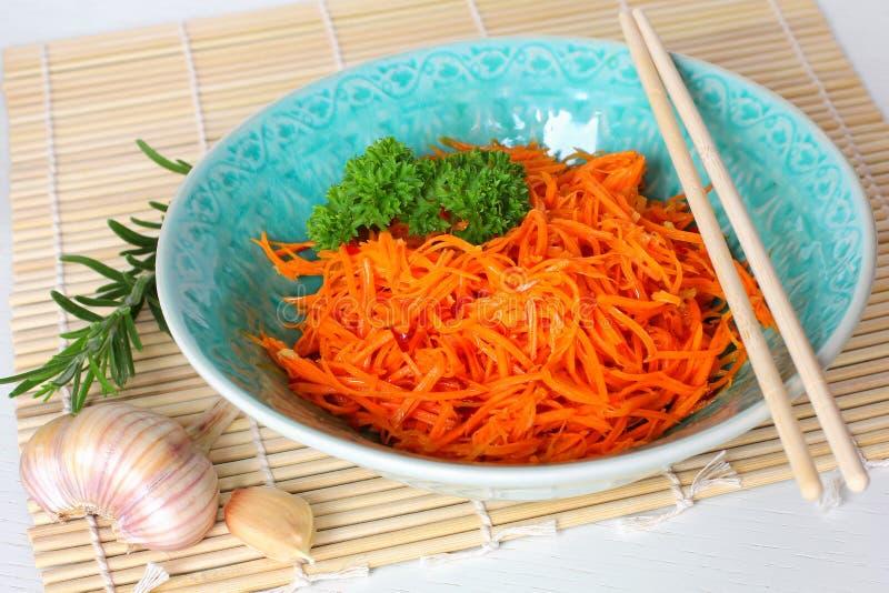 韩文红萝卜沙拉 库存照片