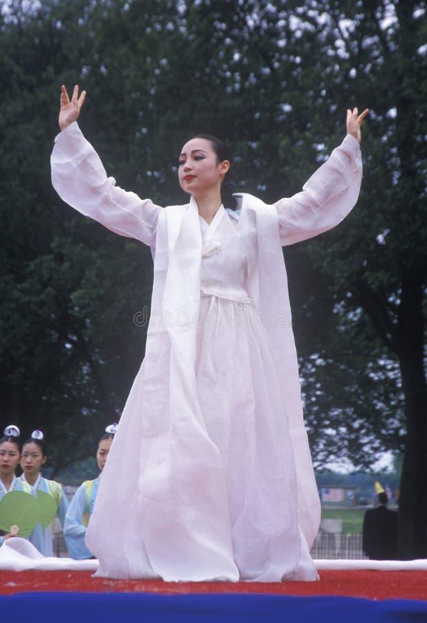 韩文舞蹈演员 免版税库存图片