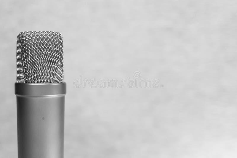 音乐家、无线电赠送者和译制演员的录音演播室 免版税库存图片