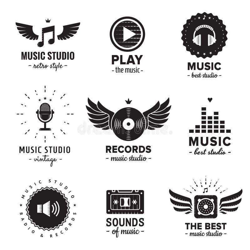 音乐演播室和收音机商标葡萄酒传染媒介集合 行家和减速火箭的样式 免版税库存图片