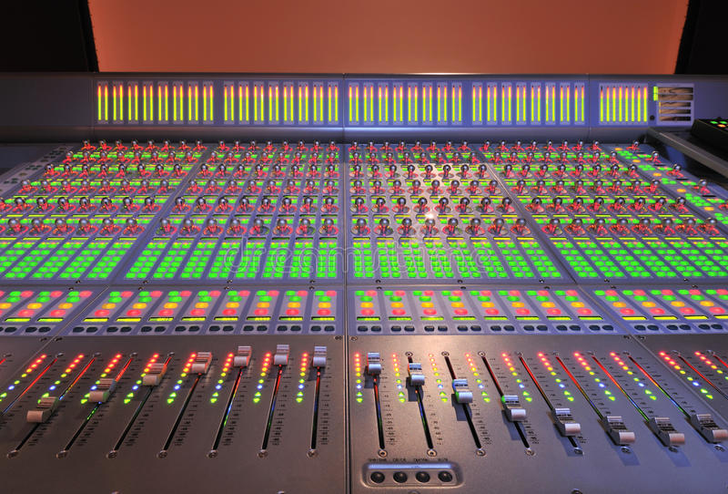 音频控制台混合的过帐生产 图库摄影