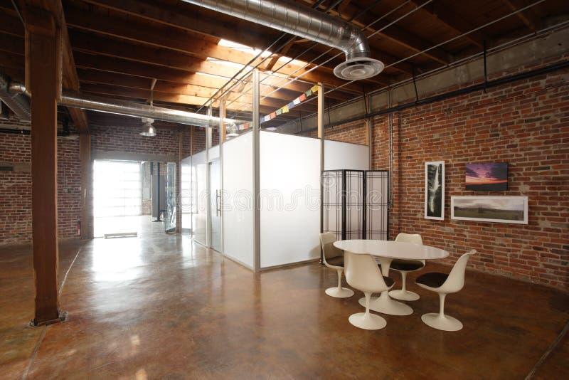 顶楼现代工作室 库存照片