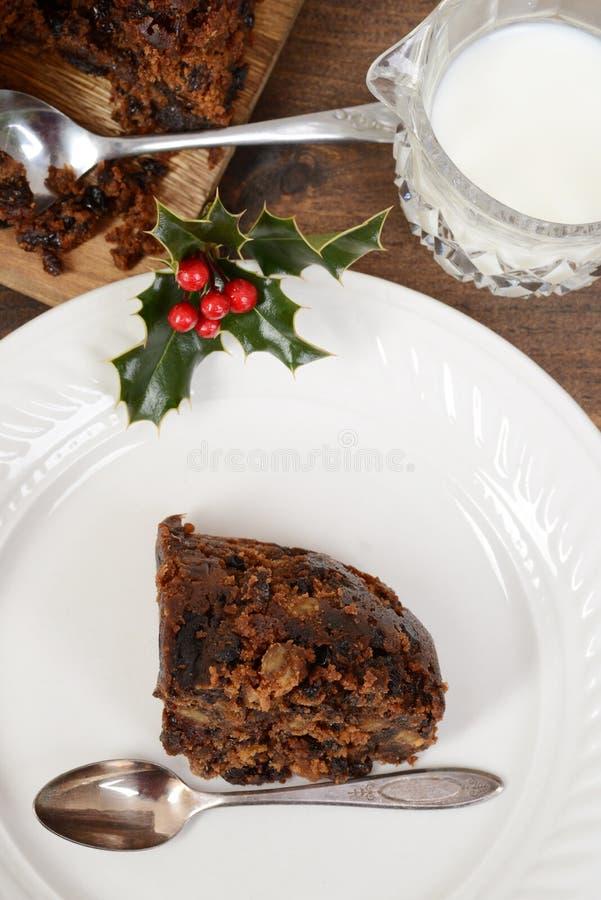 顶视图与匙子的圣诞节布丁 图库摄影