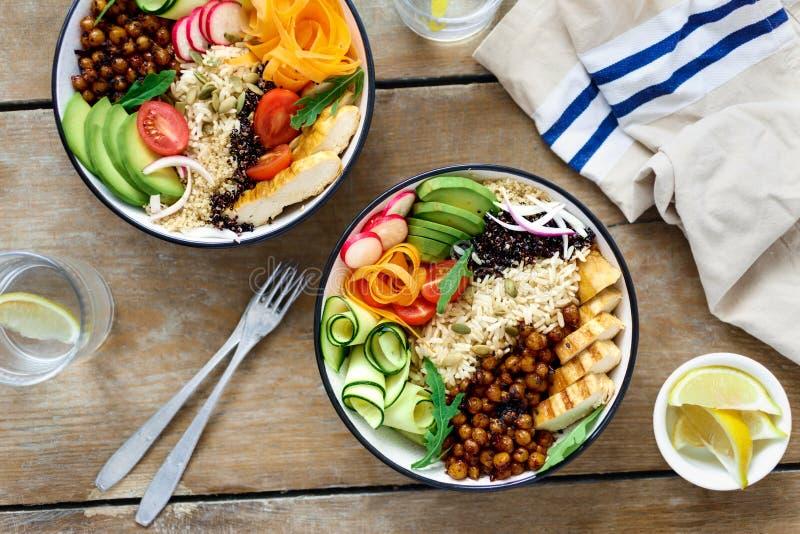 顶视图两菩萨碗柠檬水干净的平衡的健康食物 库存照片