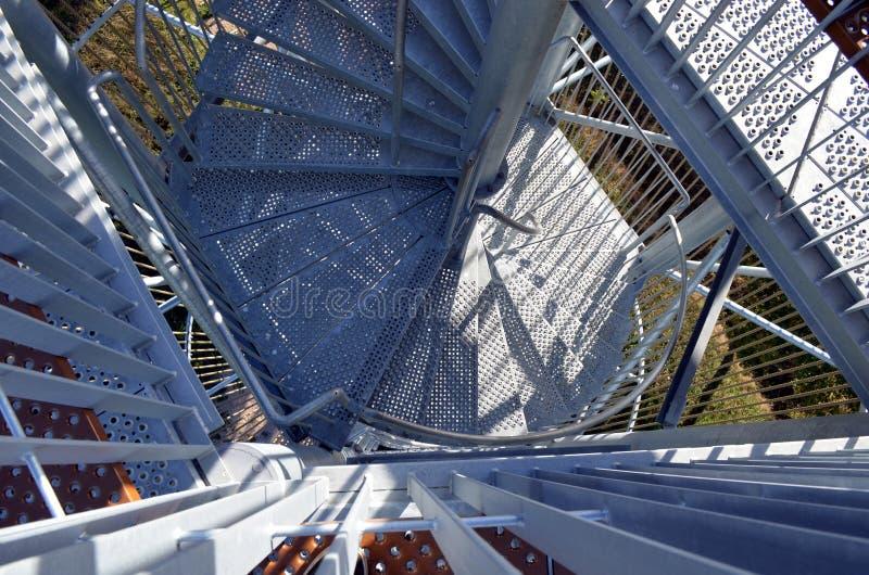 顶视图到金属台阶建筑里 库存照片