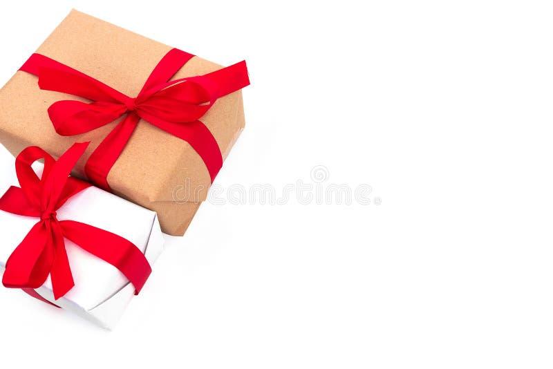 顶视图反对布朗礼物盒 免版税图库摄影