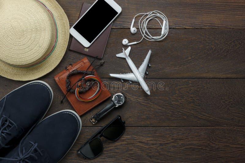 顶视图或辅助部件平的位置对假日和运输概念的 库存照片