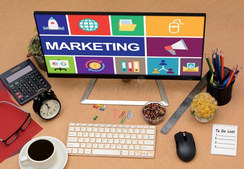 顶视图营销在显示器显示的概念象在办公室 图库摄影