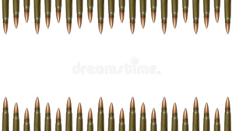 顶面和在白色背景隔绝的子弹边界下 7 卡拉什尼科夫攻击步枪的62 mm弹药筒 免版税库存照片