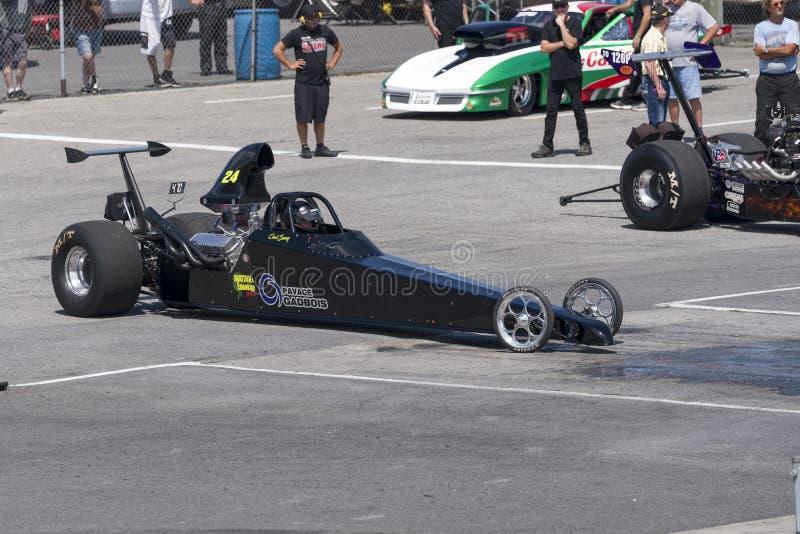 顶面燃料dragster去赛马跑道 免版税库存图片