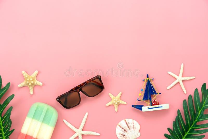 项目的台式视图空中图象夏天休假背景概念的 免版税库存图片