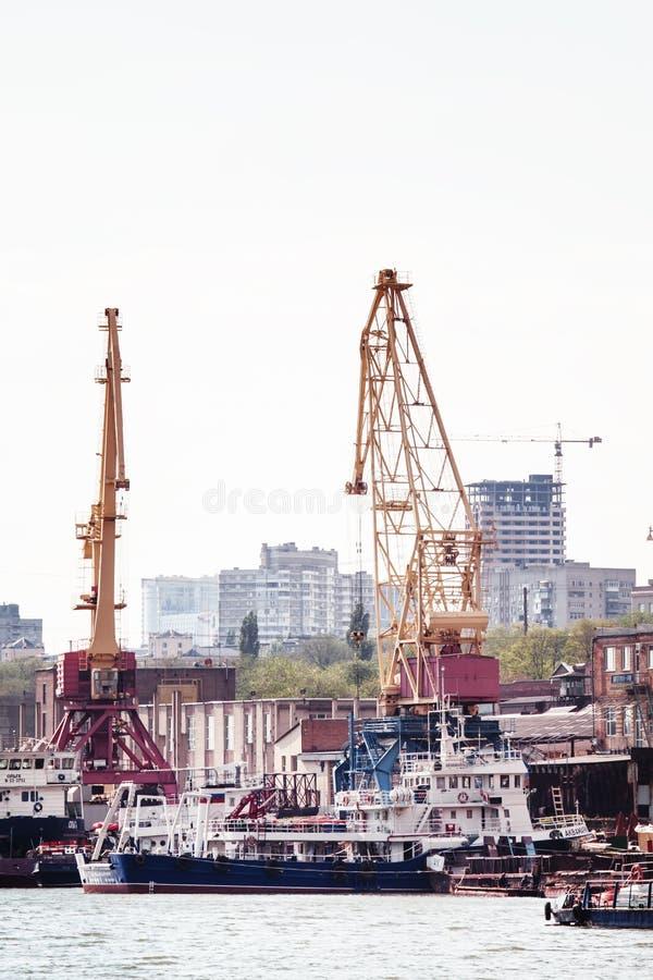 顿河畔罗斯托夫,俄罗斯- 2016年4月29日:国际内河港 库存图片