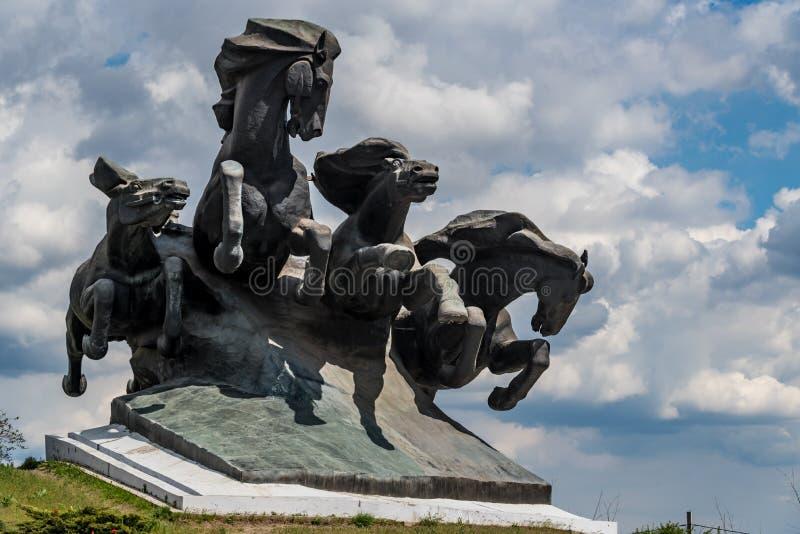 顿河畔罗斯托夫,俄罗斯- 2018年4月23日:对Tachanka或南北战争的纪念碑在顿河畔罗斯托夫 免版税图库摄影