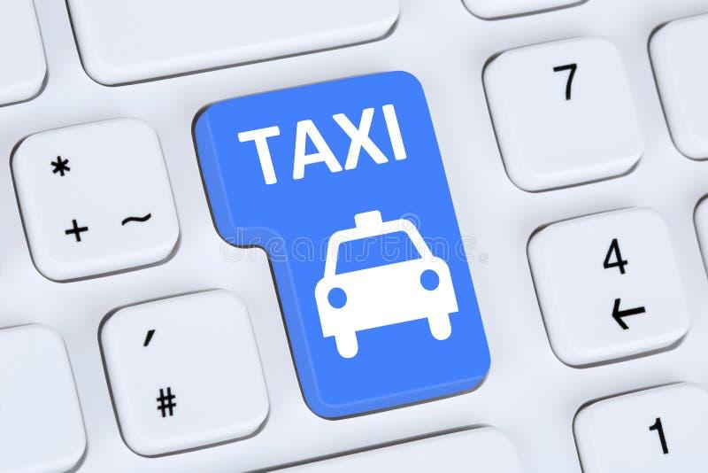 预定出租汽车或小室网上互联网售票计算机 图库摄影