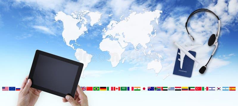 预定和查寻飞行卖票航空旅行假期概念, h 免版税图库摄影