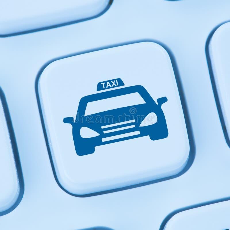 预定预定蓝色计算机网的出租车网上互联网 库存图片