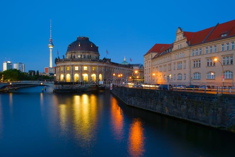 预示的博物馆和电视塔Fernsehturm 库存照片