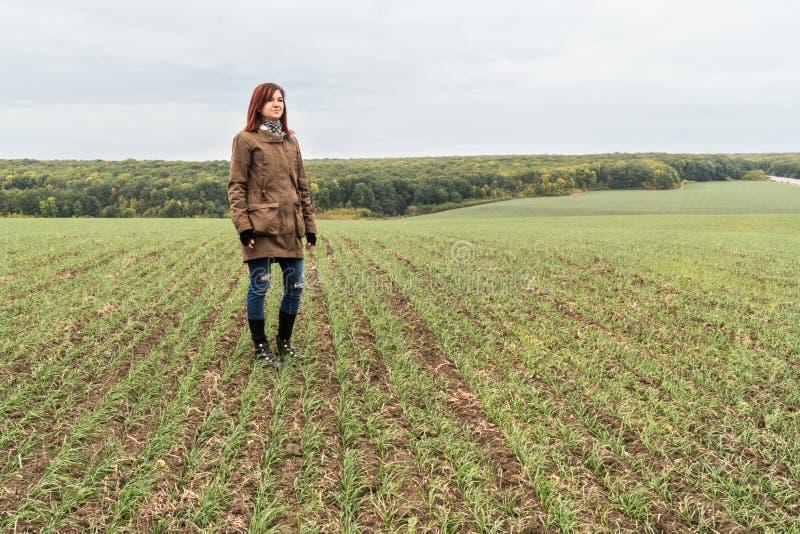 领域的妇女农夫 库存图片
