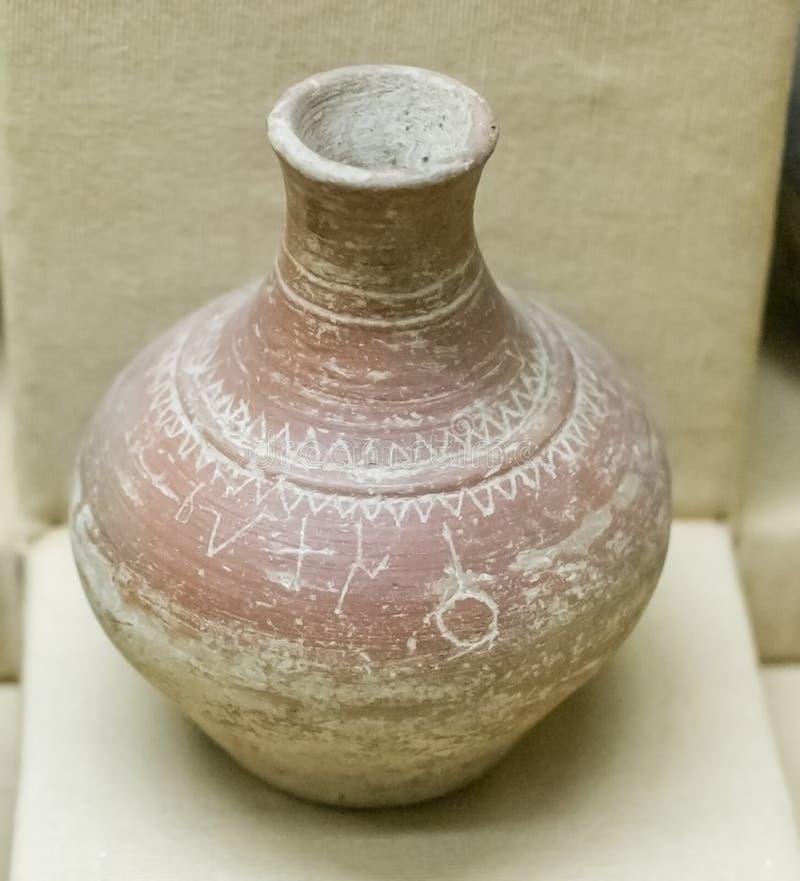 题写的瓦器古老印度Nimar地区 库存照片