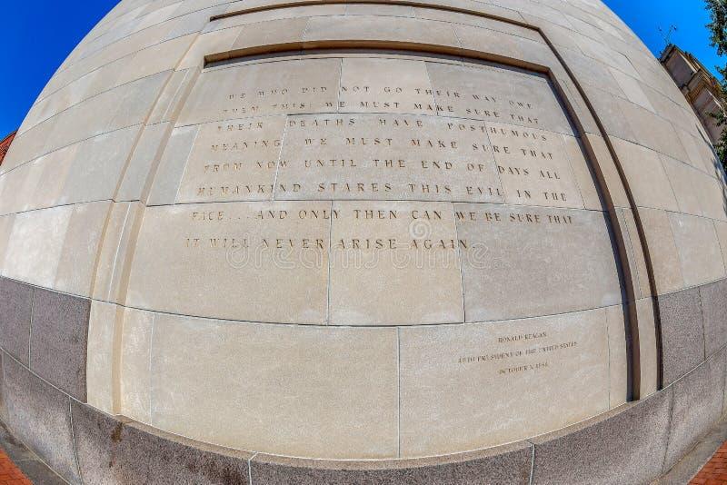 题字在美国浩劫纪念博物馆外面,华盛顿特区 库存图片