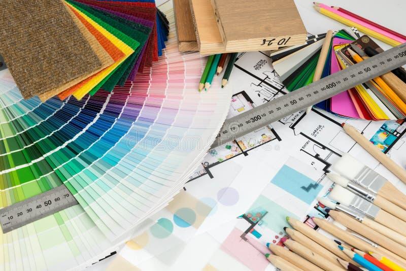 颜色和材料的选择家庭整修的 免版税库存图片