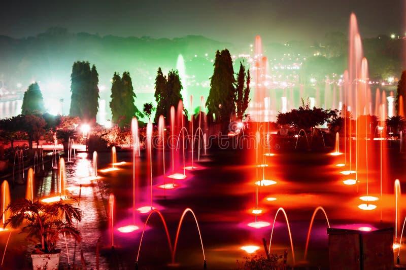 颜色喷泉 免版税库存图片