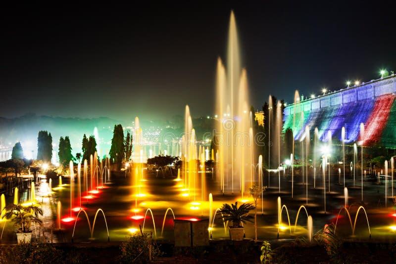 颜色喷泉 免版税图库摄影