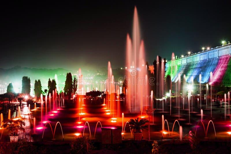 颜色喷泉 免版税库存照片