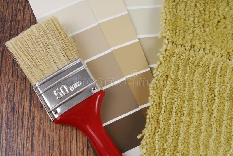 颜色油漆并且地毯选择 图库摄影
