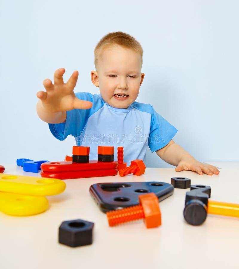 颜色滑稽孩子零件使用 库存照片