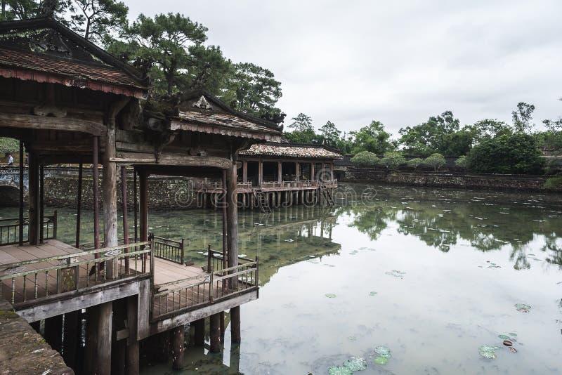 颜色的坟茔嗣德帝历史站点,越南 免版税库存图片