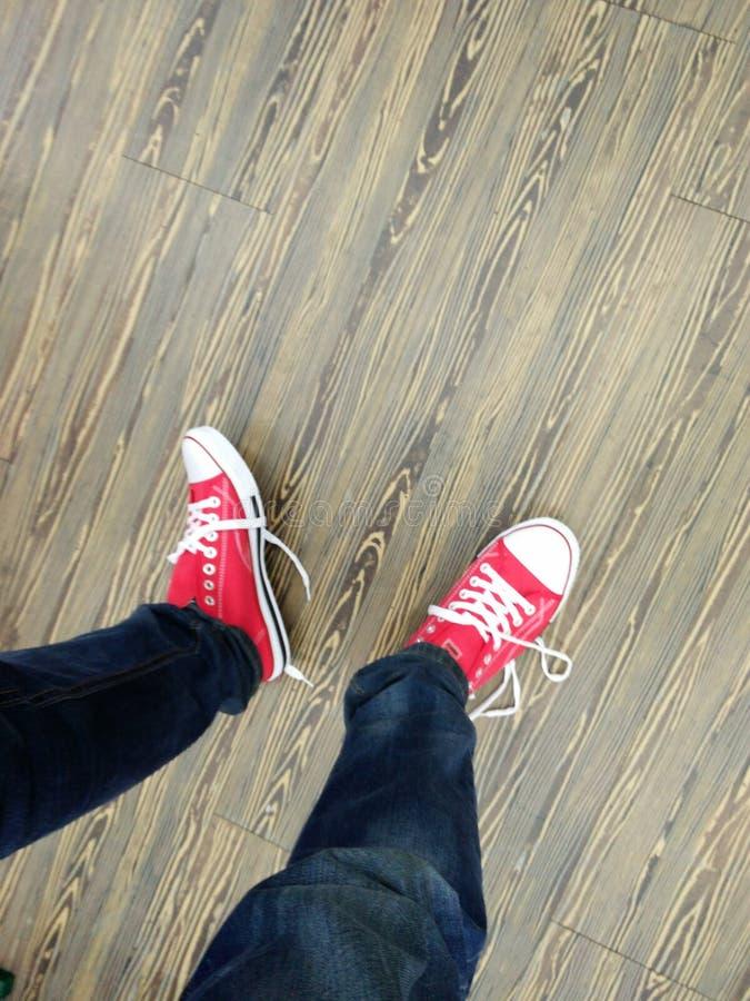 颜色红色鞋子 免版税库存照片