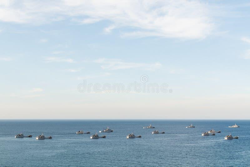 颜色,越南- 2019年6月:现代越南钓鱼的船在公海 免版税图库摄影