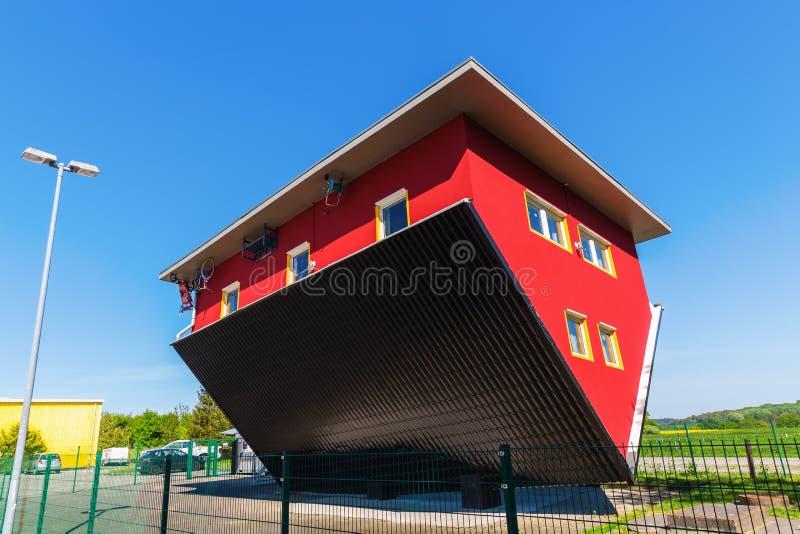 颠倒的常设房子在普特布斯,鲁根岛,德国 免版税库存照片