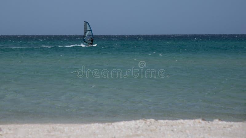 风帆冲浪者在黑海中水  免版税库存照片