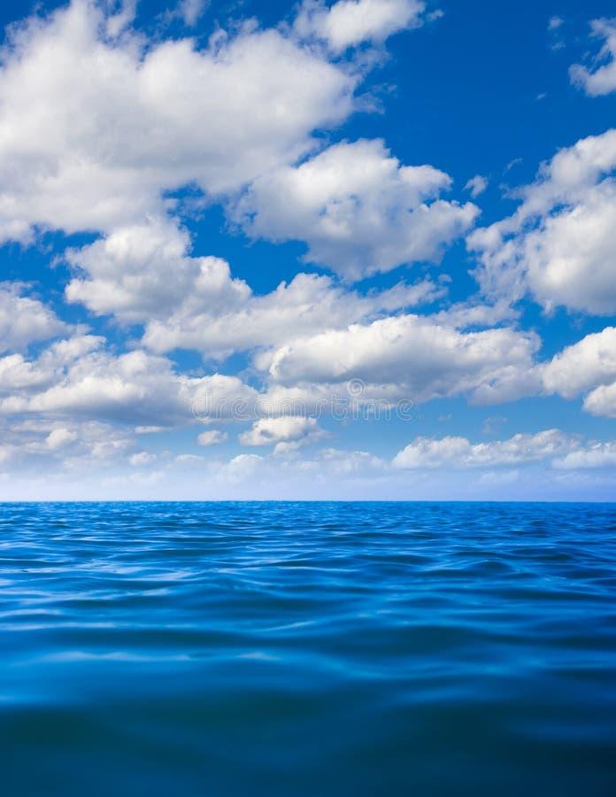 风平浪静水面 库存图片