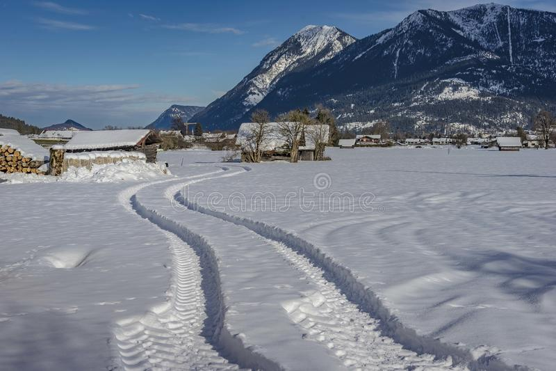 风景冬天风景看法在巴法力亚阿尔卑斯 免版税图库摄影