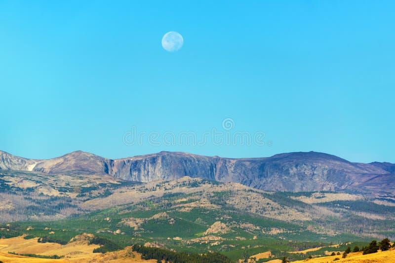 风景和月亮 库存图片