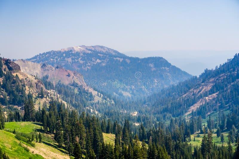 风景在拉森火山国家公园 库存照片