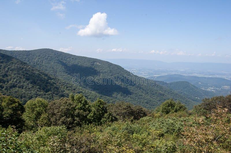 风景在雪伦多亚国立公园 免版税库存照片