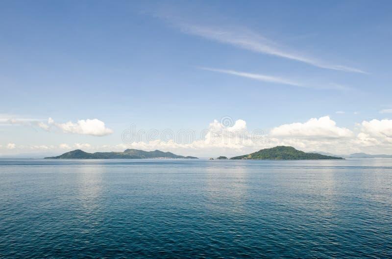 风景海岛的海洋 免版税库存图片